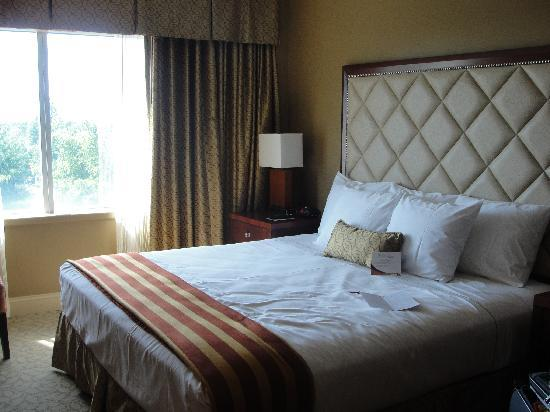 The Hotel at Turning Stone Resort: The room