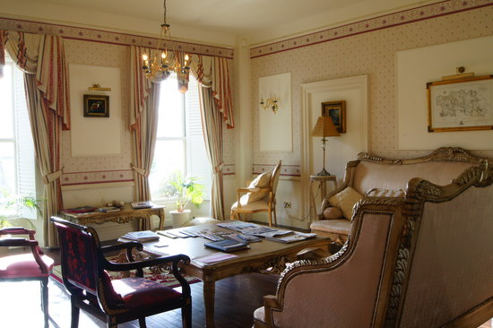 La Haule Manor: Hotel Lounge