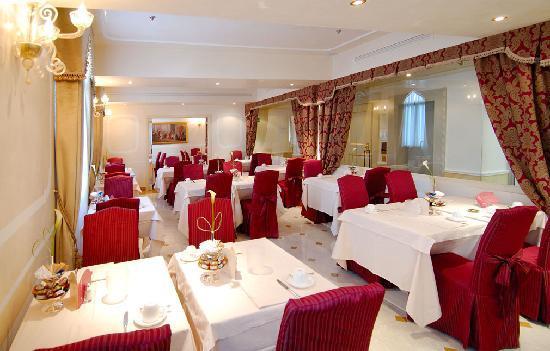 Hotel a La Commedia: Breakfast room