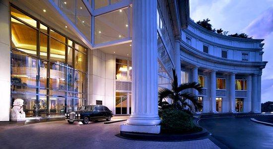 The Ritz-Carlton Jakarta, Mega Kuningan