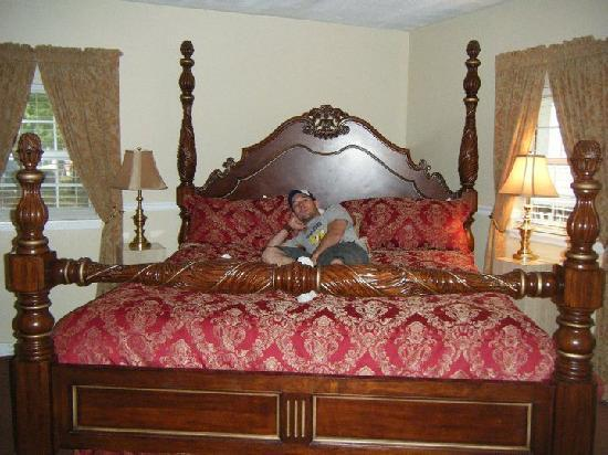 The 1927 Lake Lure Inn and Spa: Comfiest bed ever!