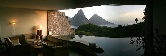 Jade Mountain Resort: the view from our MOON suite