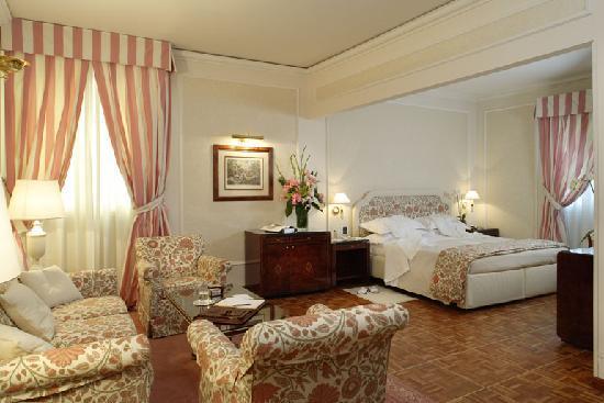 Hotel de La Ville: Camera
