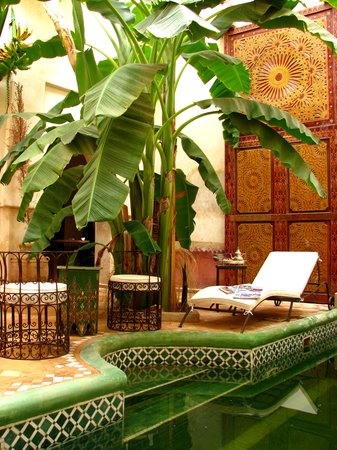 Riad les Inseparables: grand patio piscine