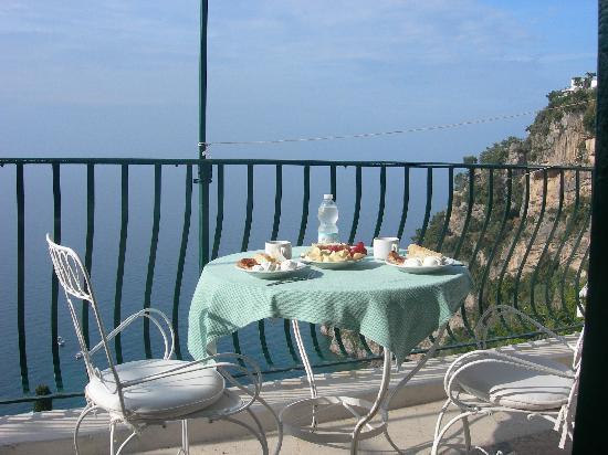 Pensione Maria Luisa - Amalfi Coast: Breakfast al Fresco