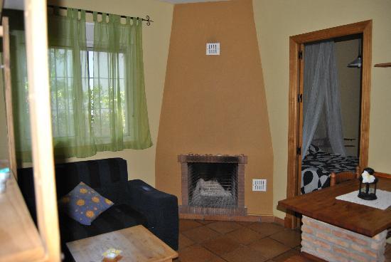Casa Rural Los Pepe: salon apartamento un dormitorio