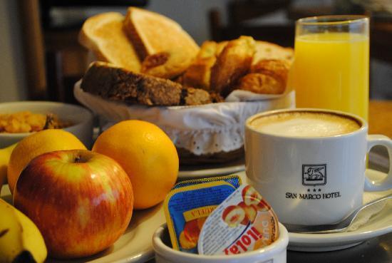 San Marco Hotel: Desayuno
