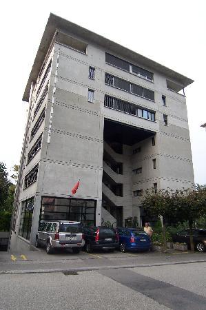 Garni Nessi : Hotel Garni-Nessi - Straßenansicht