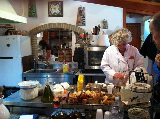 Anna Tasca Lanza Sicilian Cooking School: Fabrizia in her kitchen doing a lesson.