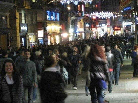 New Galata: Istiklal Street early evening