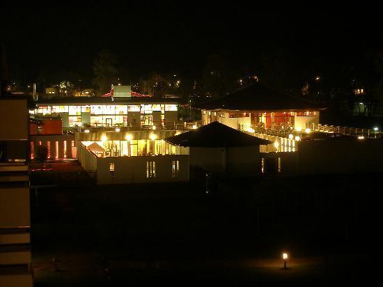 Leoben, Austria: Spa vom Zimmer aus bei Nacht