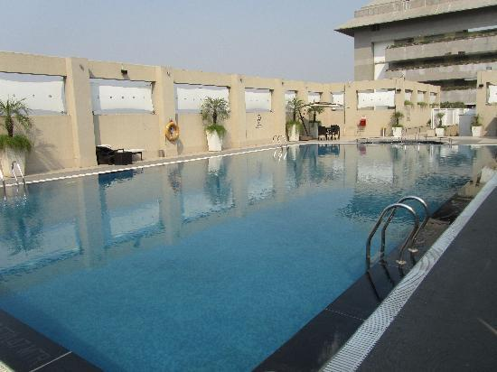 Hilton Garden Inn New Delhi / Saket: Rooftop Pool