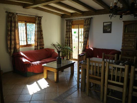 Villa Bonifacio: Dining/Living Room