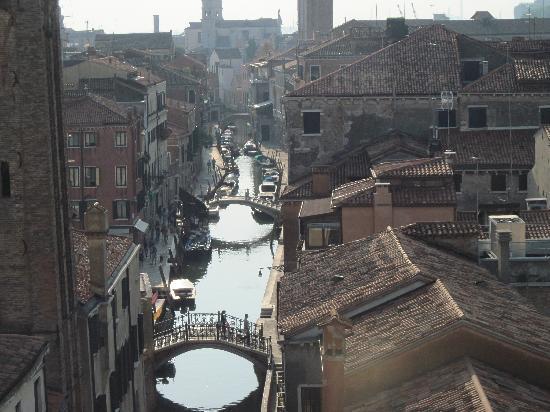 Ca' Rezzonico: Back canal vies