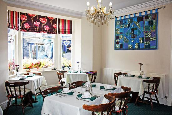 Claremont House Guest House: Full English breakfasts or lighter / vegetarian breakfasts are served.
