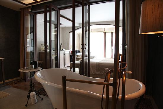 The Scent Hotel: the suite room