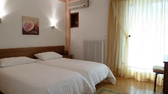 Zina Hotel Apartments: bedroom