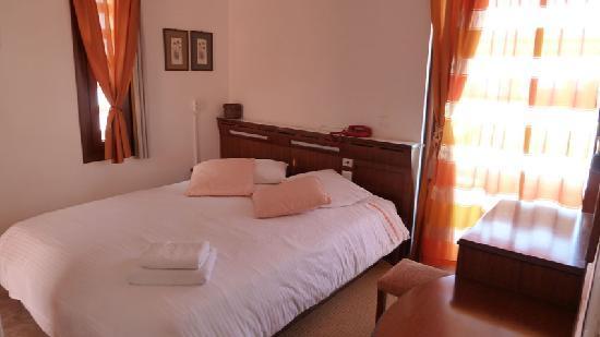 Zina Hotel Apartments: bedroom