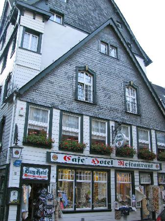 Burghotel Monschau: The hotel's facade