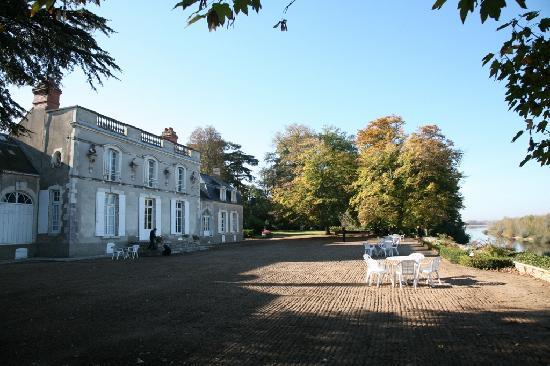 Chateau de Colliers : Le Château contemple la Loire.
