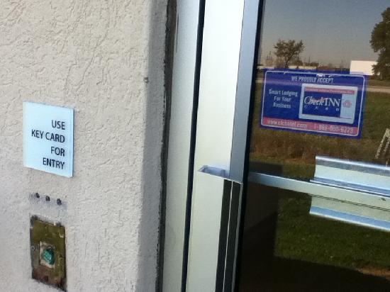 La Quinta Inn & Suites Frankfort: notice missing electronic key/lock