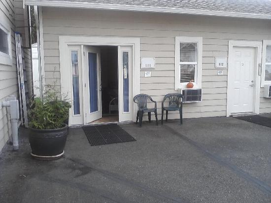 Snohomish Inn: 2 of the extended stay rooms they offer
