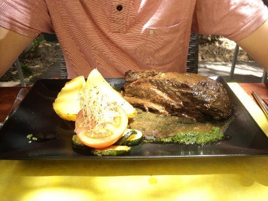 Zebra Steak & Grill : My boyfriends steak which was just as big, the meat was tender & juicy!!