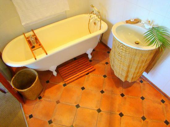 African Peninsula Guest House: Bathroom suite 10