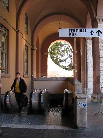 Rocca Paolina: Ingresso da piazza Italia