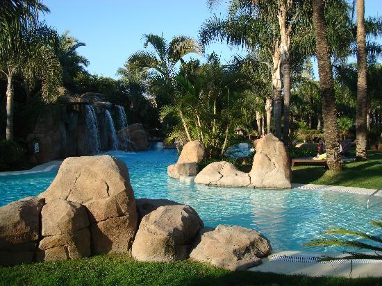 เมเลีย มาร์เบลล่า บานุส โฮเต็ล: la piscine pour enfants