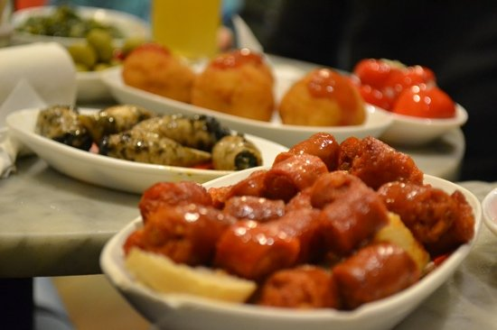 The Barcelona Taste : some tapas from our first stop, lovely!!!