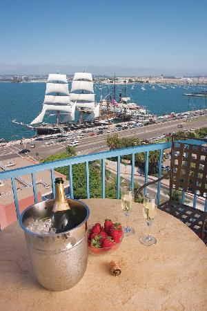 Wyndham San Diego Bayside : Located directly across from the Star of India