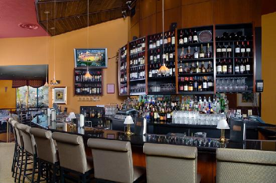 Wyndham San Diego Bayside: Experience the Award Winning flavor of Ruth's Chris Steakhouse.