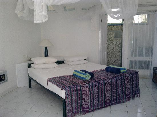 Bajo Komodo Eco Lodge: chambre