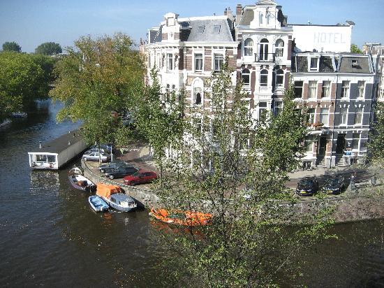 บูตีคโฮเต็ล วิว: Canal view from 304