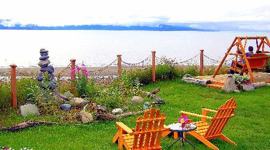 Homer Inn & Spa: Oceanfront Swing