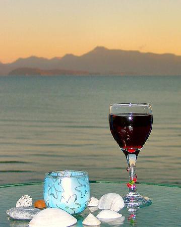 Homer Inn & Spa: Wine at Alpenglow