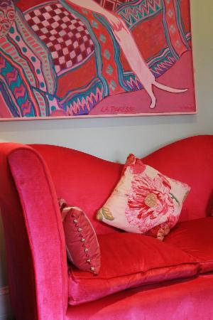 Ynyshir Restaurant and Rooms: pink bedroom