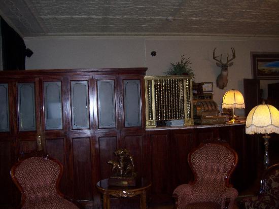 Express St. James Hotel: Lobby