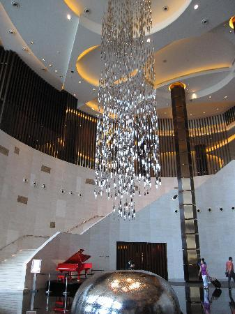 Grand Hyatt Macau: The lobby