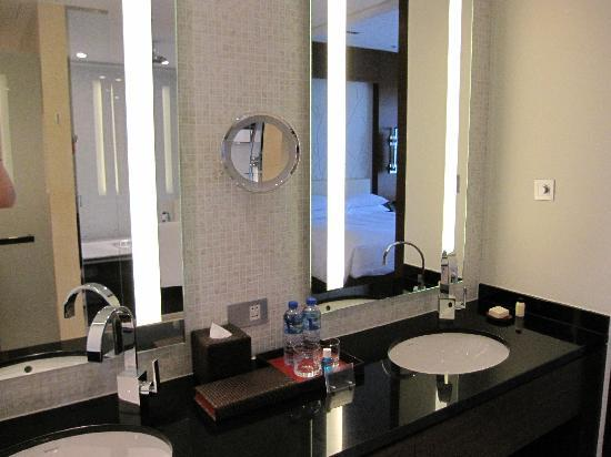 Grand Hyatt Macau: Bathroom