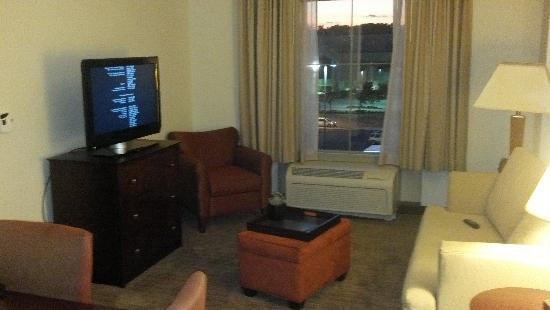Homewood Suites St. Louis - Galleria: Living Area