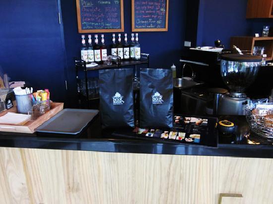 HockHoeLee : 1st Fresh Roasted Coffee on Island