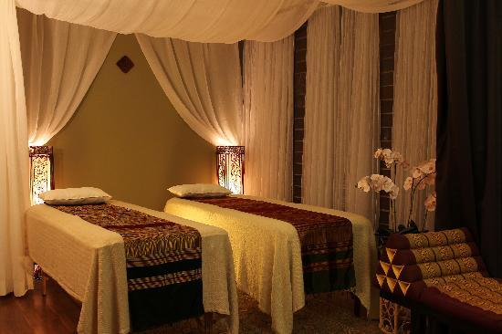 Aroma Spa Room Color ~ Traditional thai massage room palm picture of
