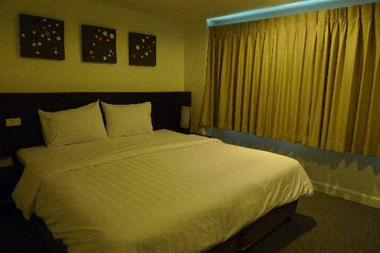 24 Inn Hotel: Double bed room
