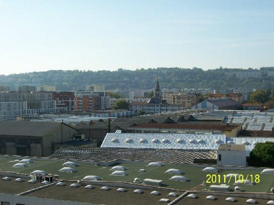 Appart'City Confort Lyon Gerland: View from the balcony of my room
