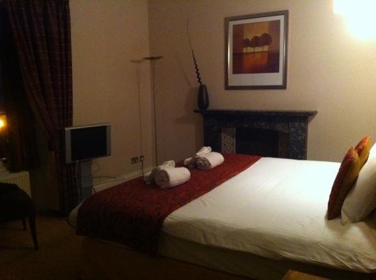 โรงแรมซอลส์บรี กรีน: very nice room!