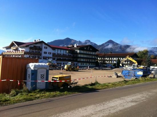 Golf Resort Achental: €180 to stay in a construction zone. I have never been so outraged!