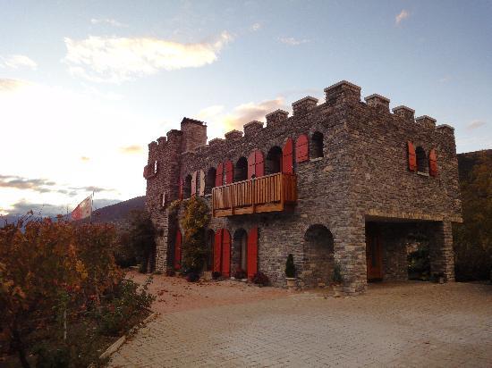 Colline de Daval : L'hôtel