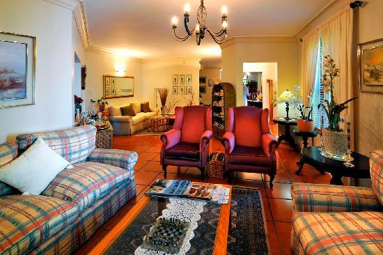 Gable Manor Guest House: The main lounge